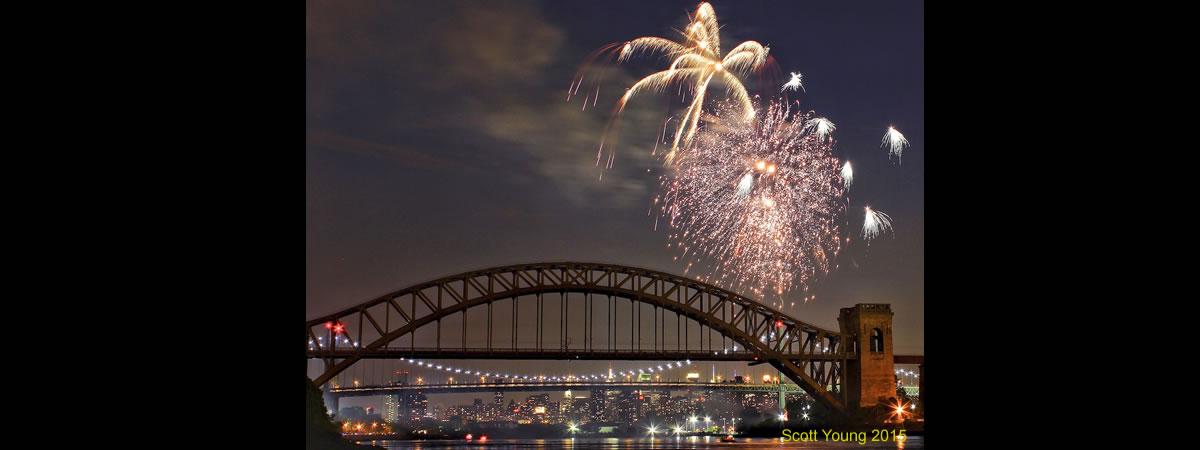 Astoria_Park_Fireworks