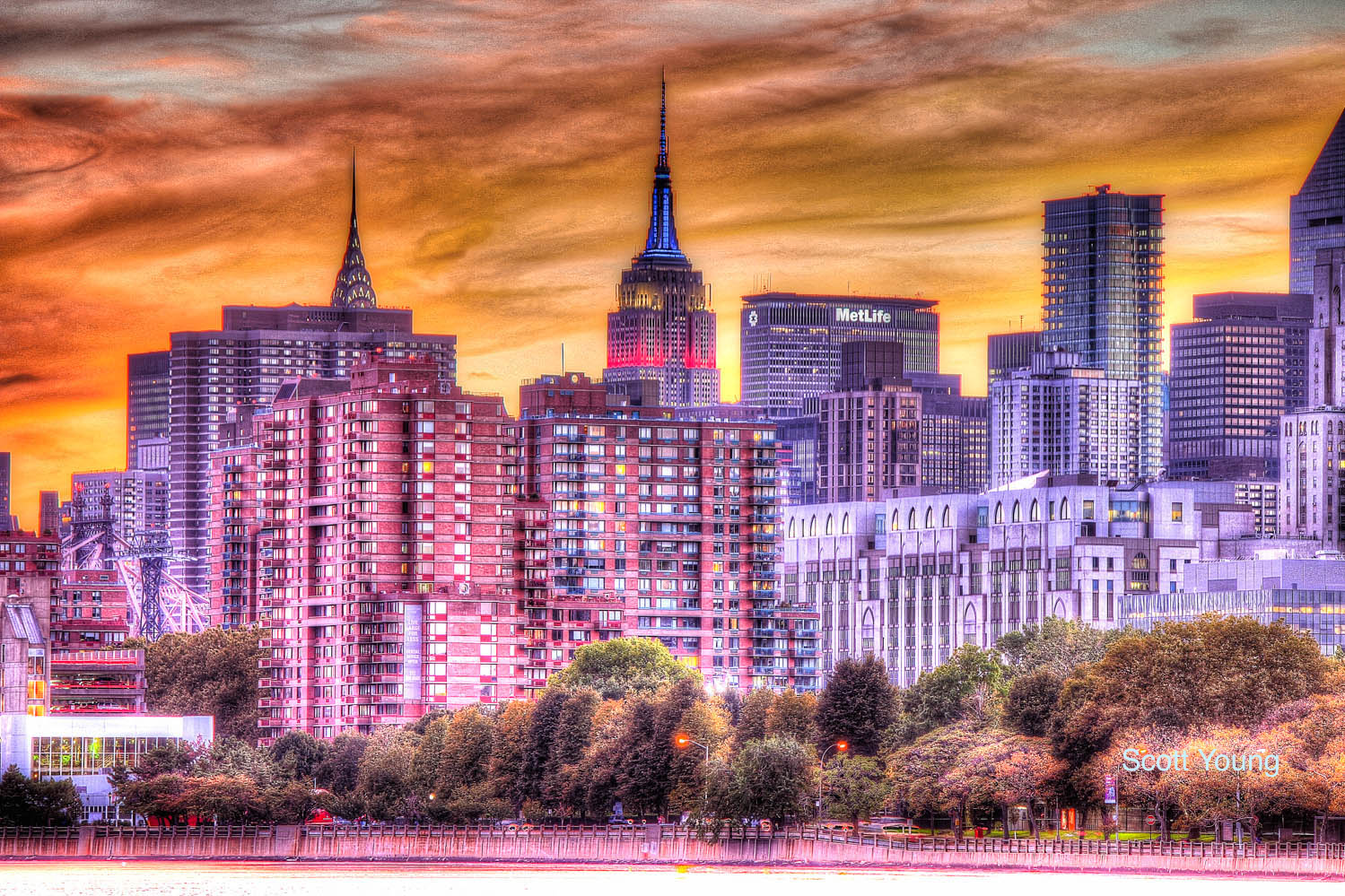 roosevelt_island_and_manhattan_from_hallets-cove