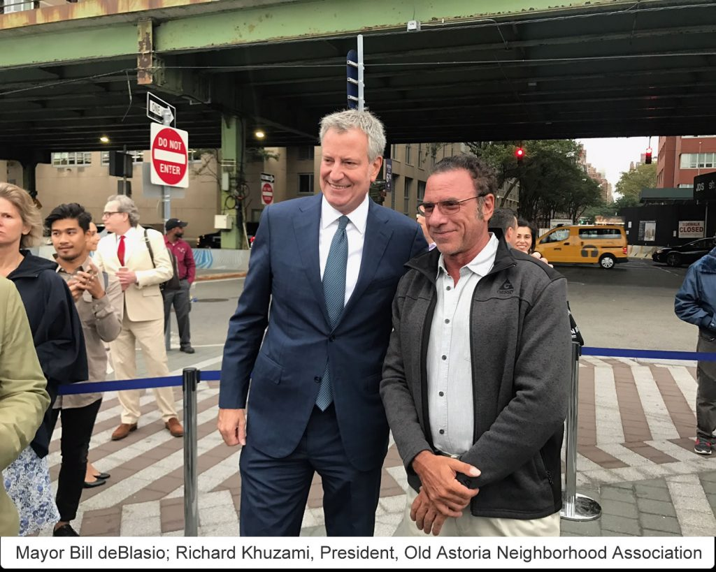Mayor Bill deBlasio; Richard Khuzami, President, Old Astoria Neighborhood Association